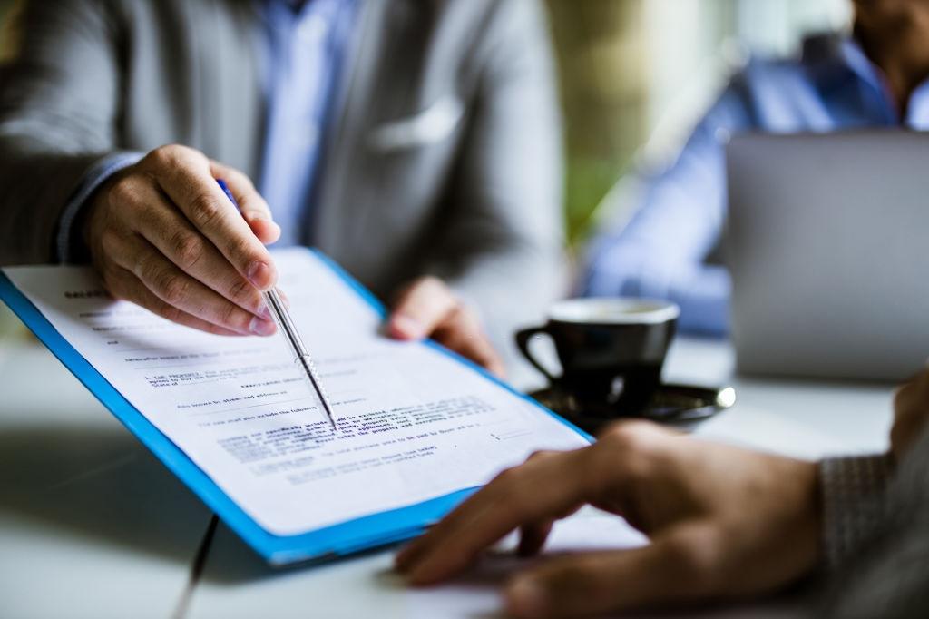 как списывать канцтовары в бухгалтерском учете